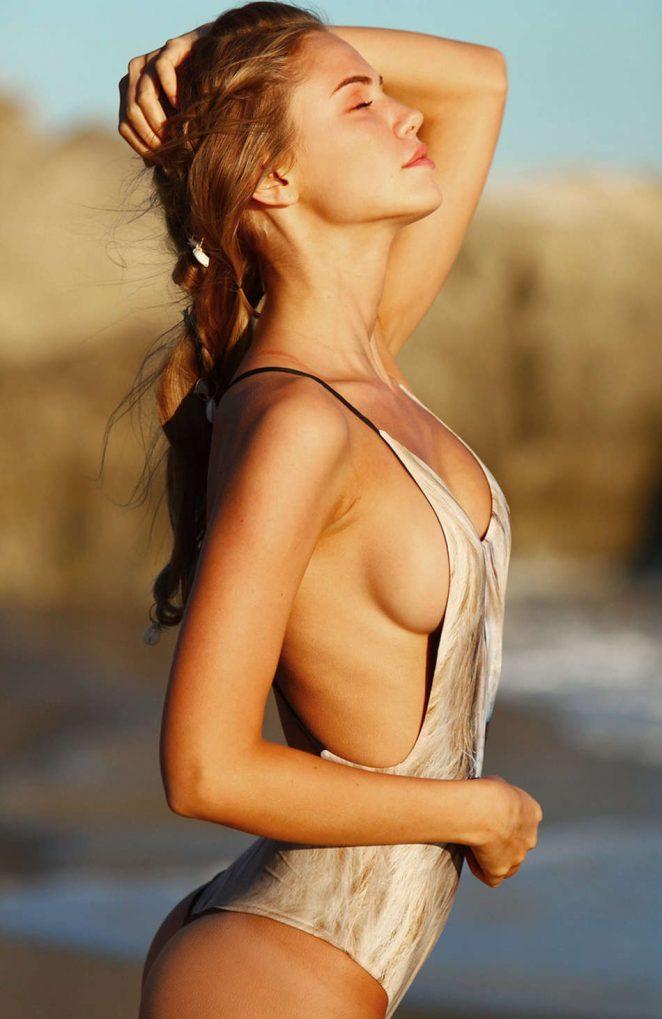 Scarlet Bikini 33