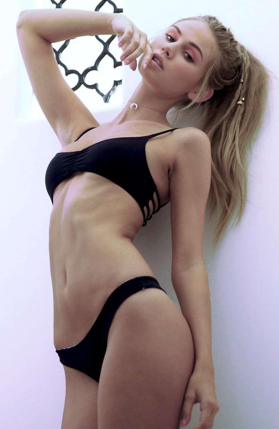 Scarlet Bikini 24