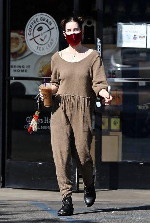 Scout Willis - Goes on a coffee run in Los Feliz