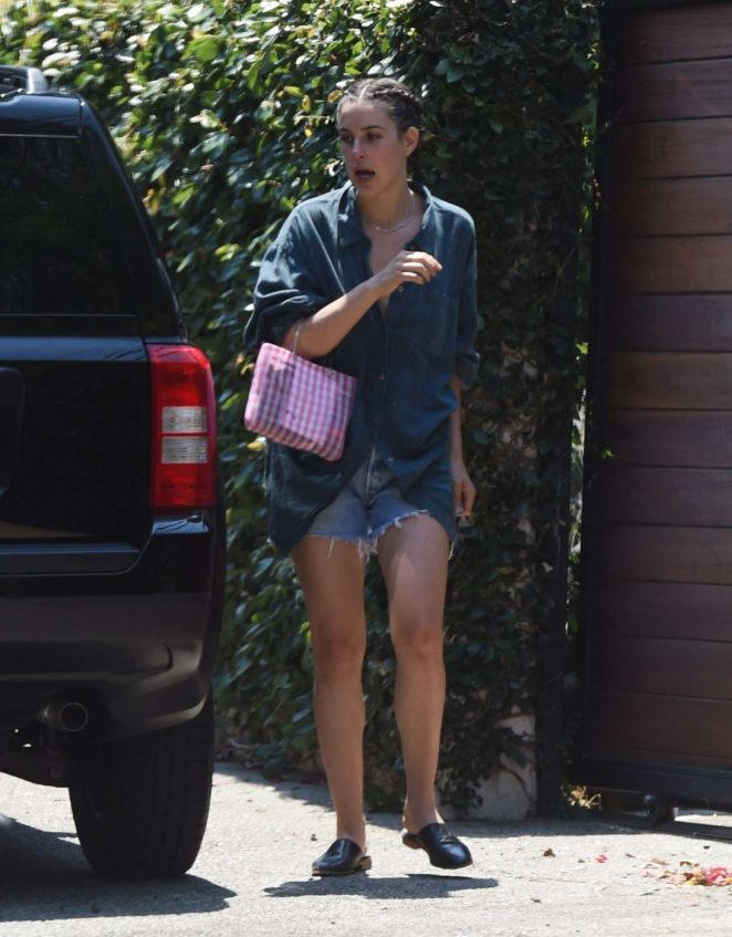 Scout Willis in Jeans Shorts Leaves Her House in Los Angeles