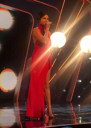Selena Gomez: 2015 BBC Children In Need Concert -04