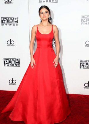 Selena Gomez: 2016 American Music Awards -04