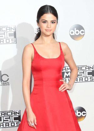 Selena Gomez: 2016 American Music Awards -13