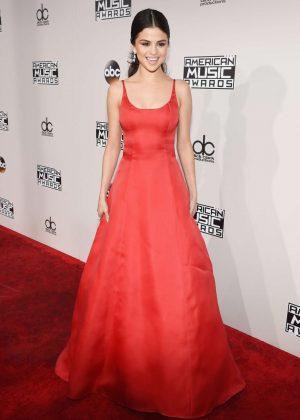 Selena Gomez: 2016 American Music Awards -16