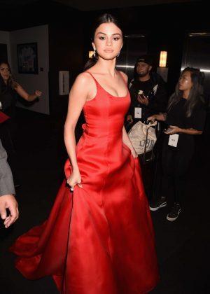 Selena Gomez: 2016 American Music Awards -18