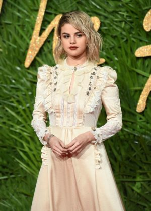 Selena Gomez - 2017 Fashion Awards in London