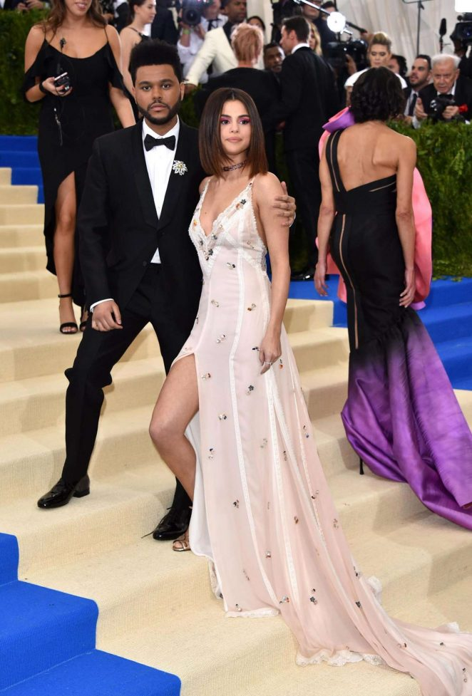 Selena gomez 2017 met costume institute gala in nyc
