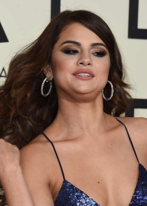 Selena Gomez: 2016 GRAMMY Awards -06