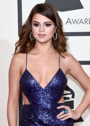 Selena Gomez: 2016 GRAMMY Awards -07