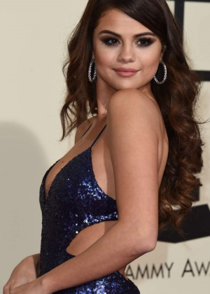 Selena Gomez: 2016 GRAMMY Awards -10