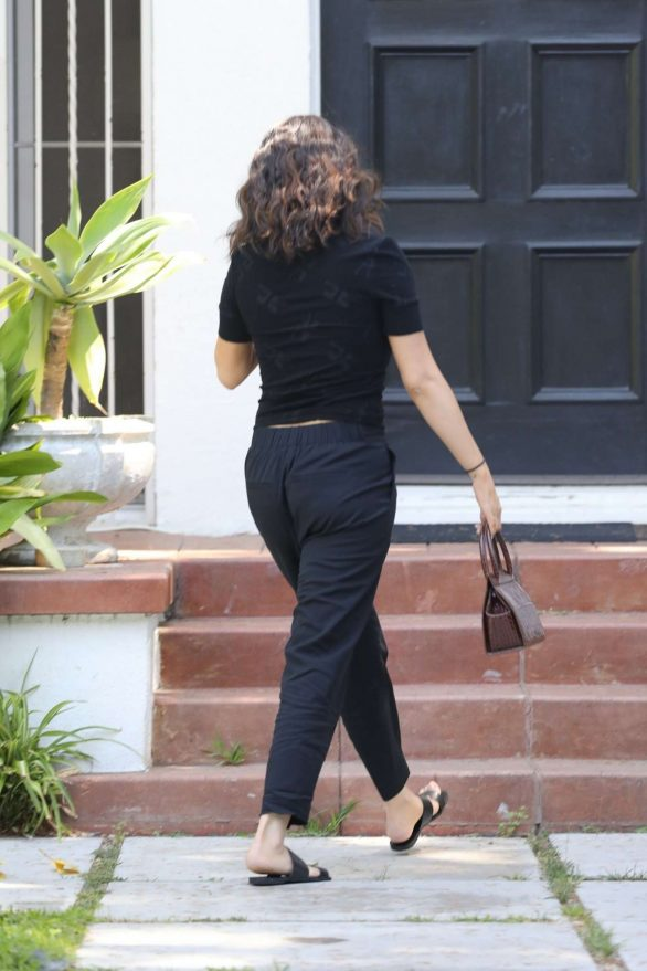 Selena Gomez - Arrives at a private medical building in LA