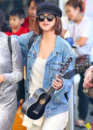 Selena Gomez - Arrives at Airport in Sydney