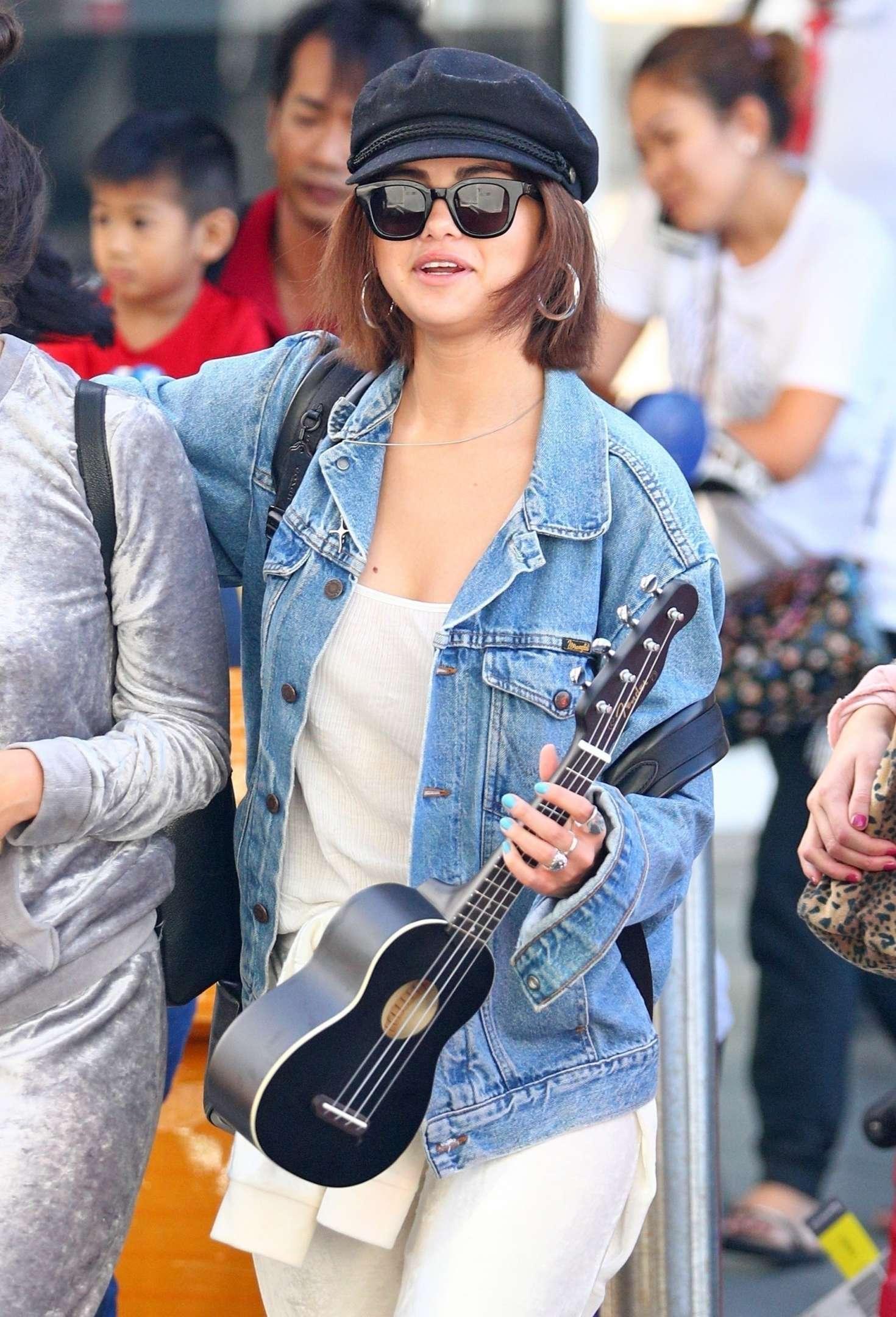 Selena Gomez 2018 : Selena Gomez: Arrives at Airport in Sydney -10
