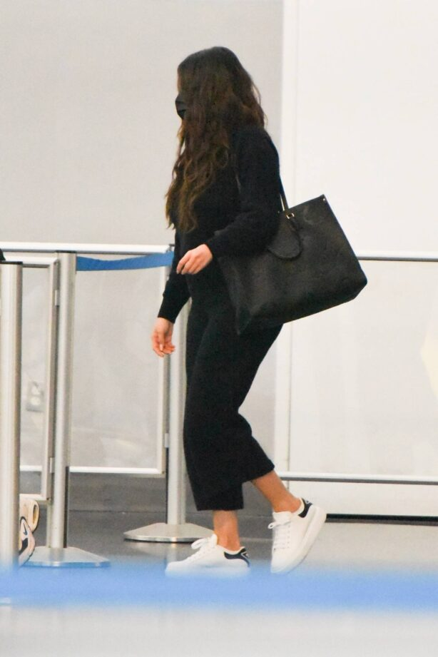 Selena Gomez - arrives at JFK airport in New York City