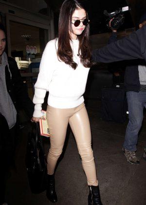 Selena Gomez: Arrives at Los Angeles International Airport -02
