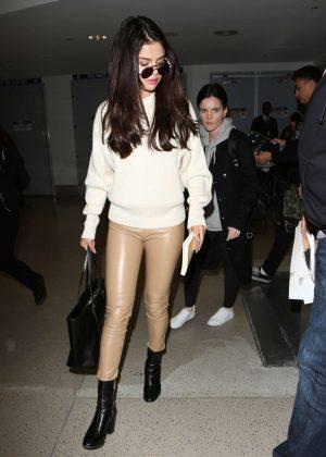 Selena Gomez: Arrives at Los Angeles International Airport -05