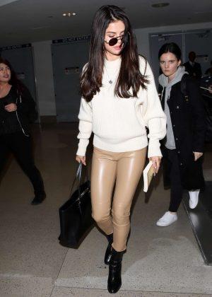Selena Gomez: Arrives at Los Angeles International Airport -06