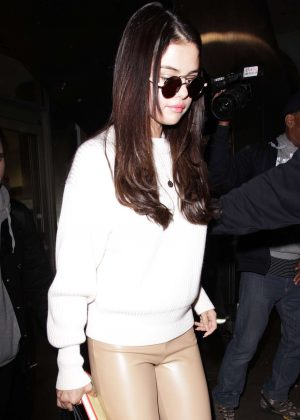 Selena Gomez: Arrives at Los Angeles International Airport -07
