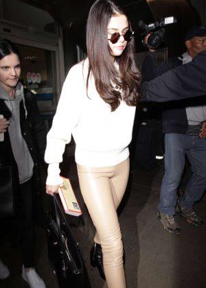 Selena Gomez: Arrives at Los Angeles International Airport -12