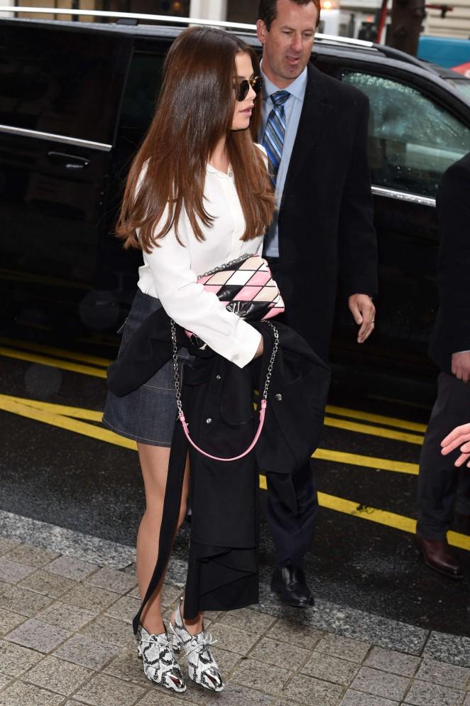 Selena Gomez: Arrives at Louis Vuitton Fashion Show 2016 -09