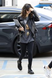 Selena Gomez - Arrives at Nine Zero One Salon in West Hollywood