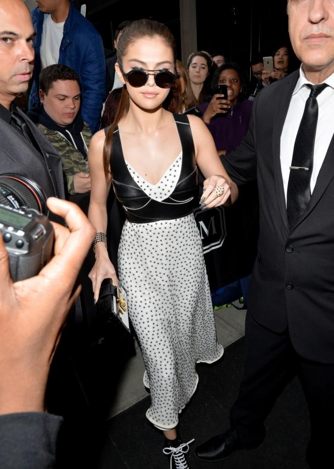 Selena Gomez - Arriving at 2016 Met Gala in NYC