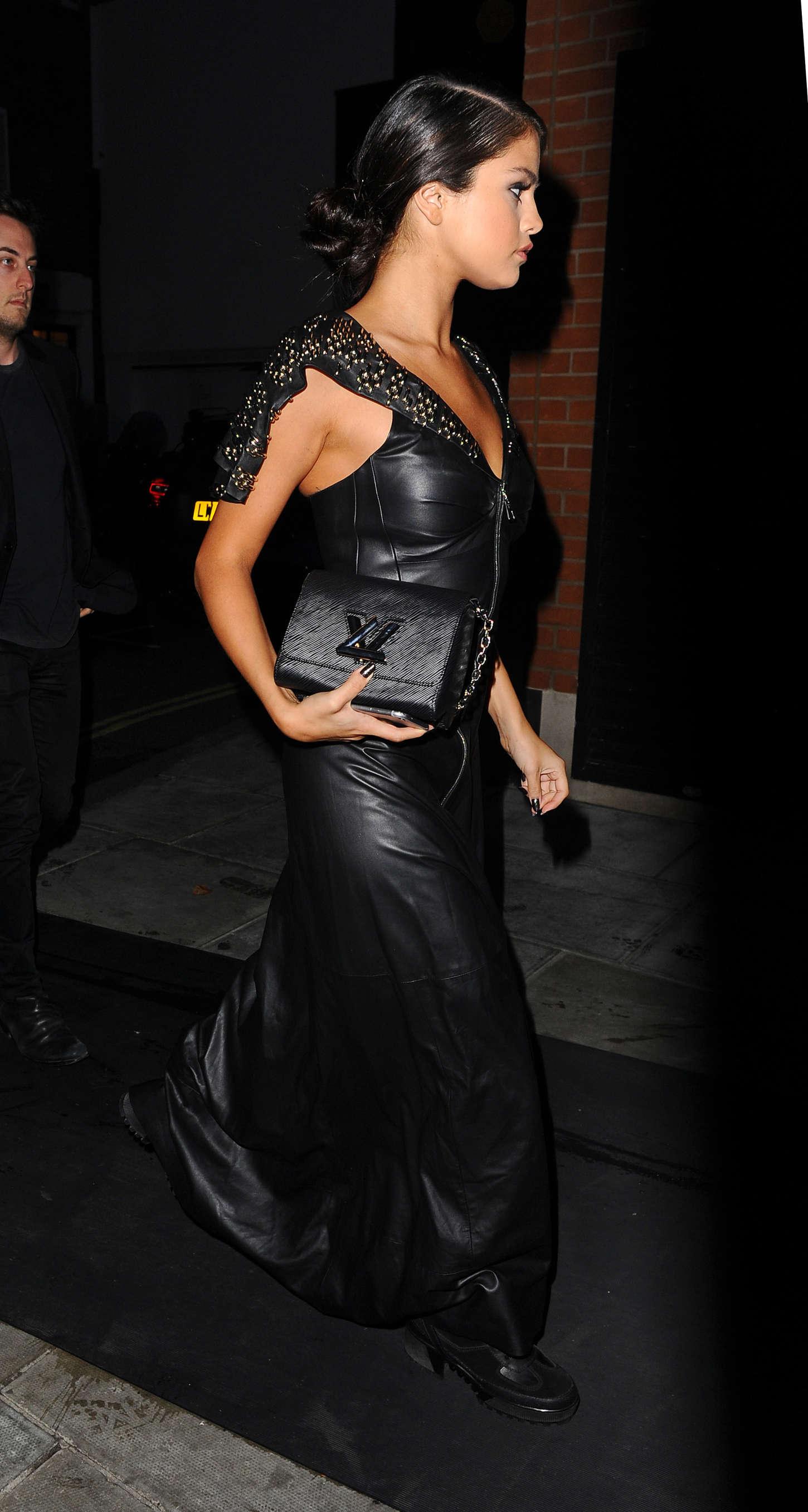 Selena Gomez In Black Leather Dress 02 Gotceleb