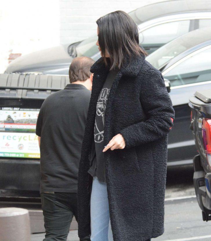 Selena Gomez 2019 : Selena Gomez: Arriving at a Music Studio -02