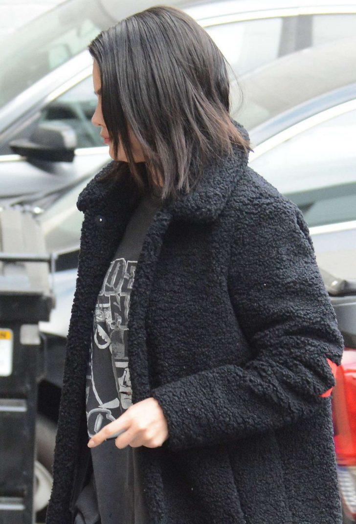 Selena Gomez 2019 : Selena Gomez: Arriving at a Music Studio -03