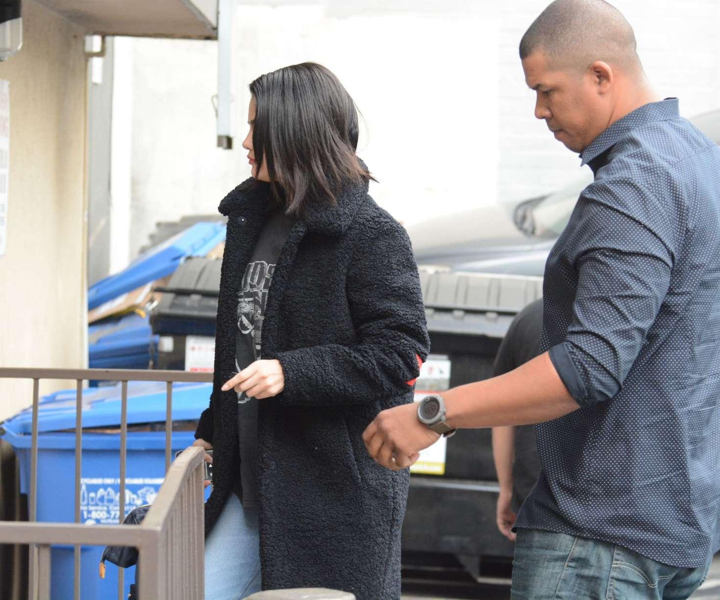 Selena Gomez 2019 : Selena Gomez: Arriving at a Music Studio -08