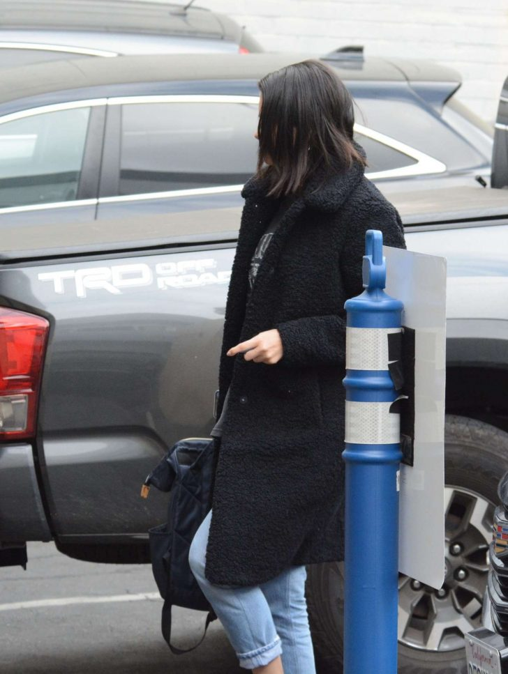 Selena Gomez: Arriving at a Music Studio -10