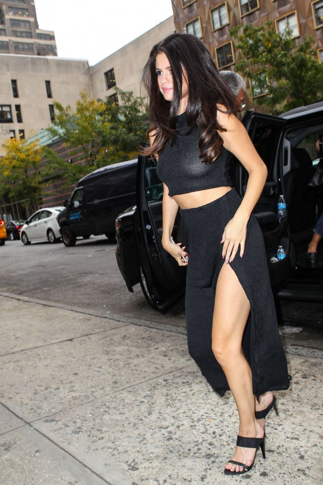 Selena Gomez] 2015 : Selena Gomez Hot in Black -09