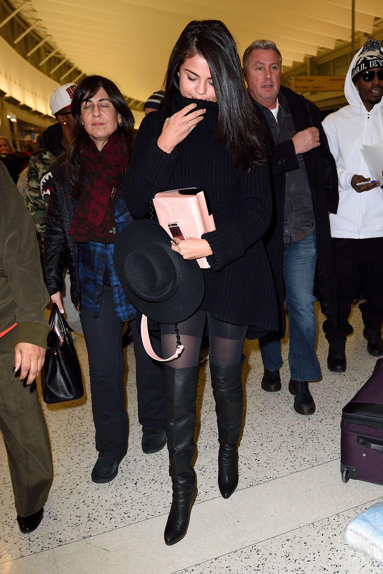 Selena Gomez 2016 : Selena Gomez: Arriving at JFK Airport -05