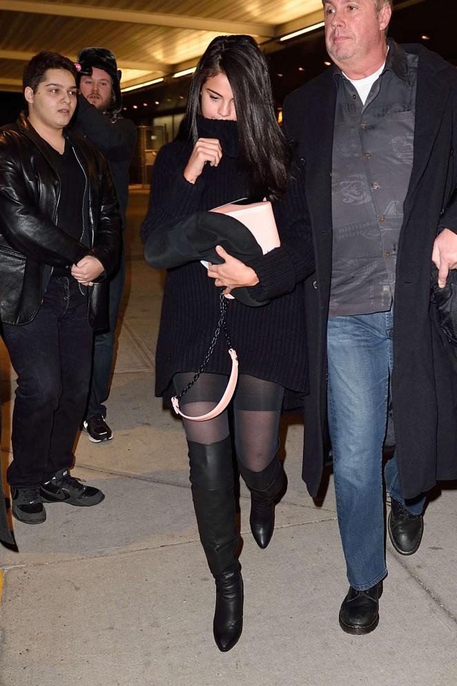 Selena Gomez 2016 : Selena Gomez: Arriving at JFK Airport -09