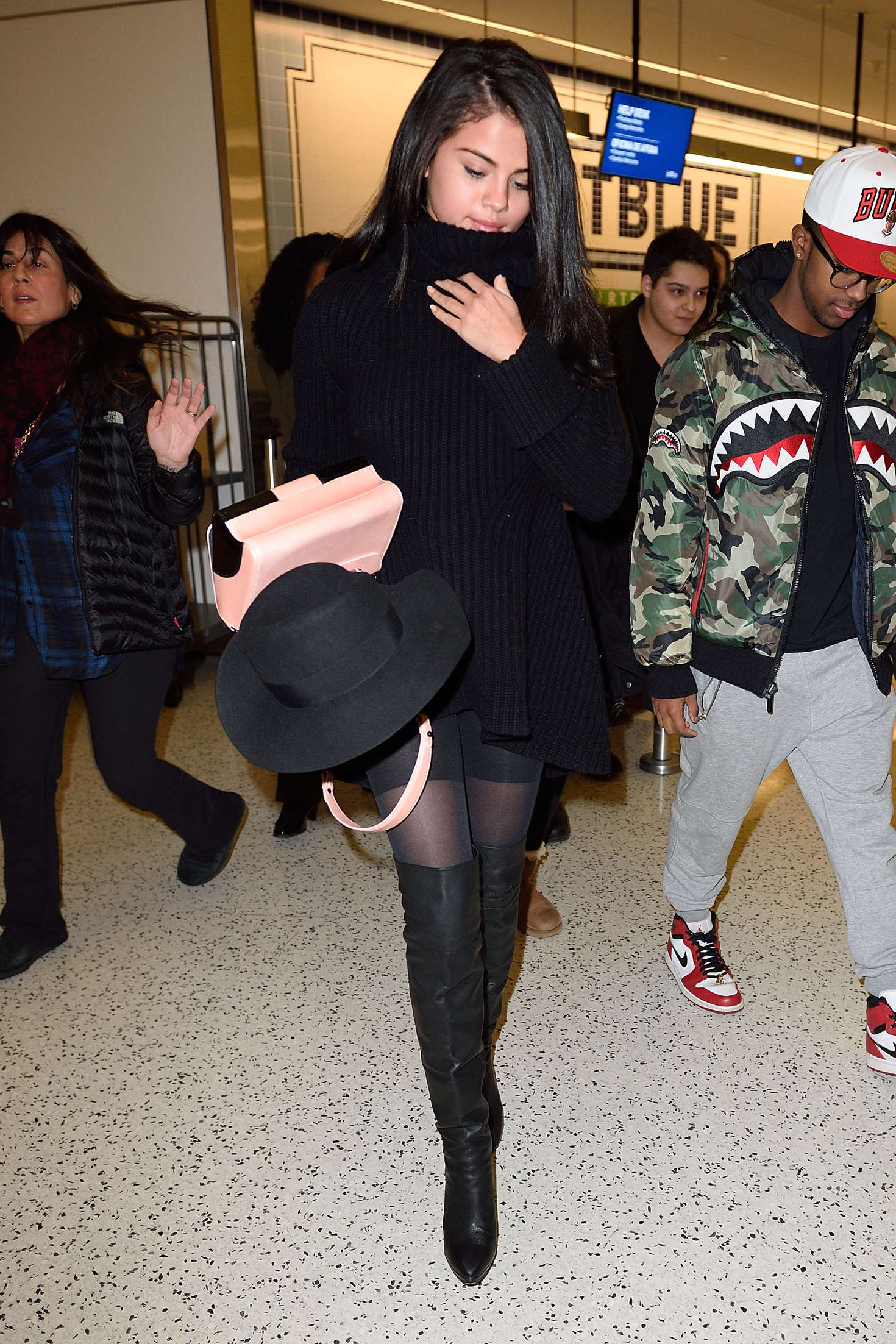 Selena Gomez 2016 : Selena Gomez: Arriving at JFK Airport -10