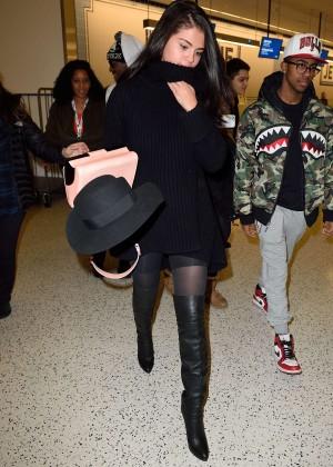 Selena Gomez: Arriving at JFK Airport -11