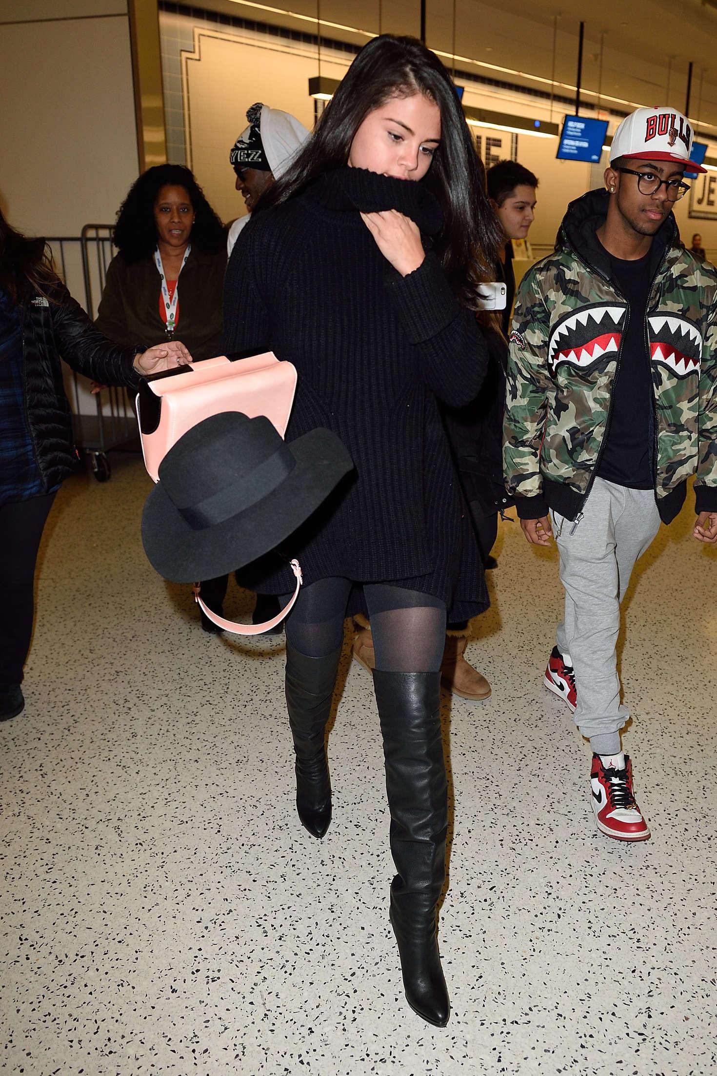 Selena Gomez 2016 : Selena Gomez: Arriving at JFK Airport -11