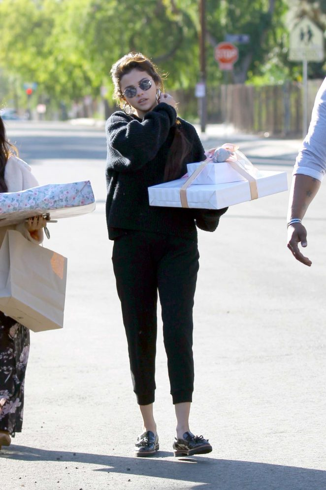 Selena Gomez: Arriving to a party in Studio City -06