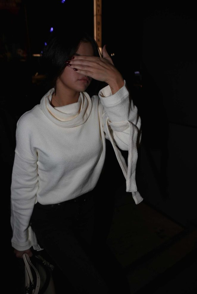 Selena Gomez – Arriving to an event in LA