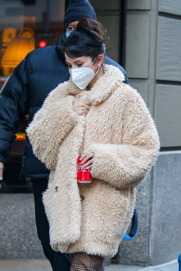 Selena Gomez - Arriving to the set of 'Only Murders in the Building' in NYC