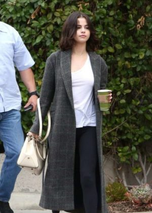 Selena Gomez at Panera Bread in Westlake Village
