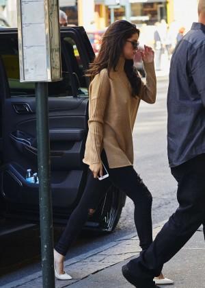 Selena Gomez at Zuma Restaurant -01