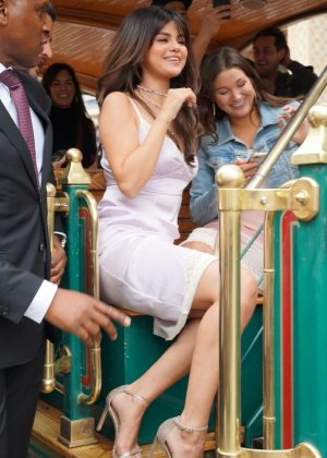 Selena Gomez - Coach Host Meet + Greet with Selena Gomez in Los Angeles