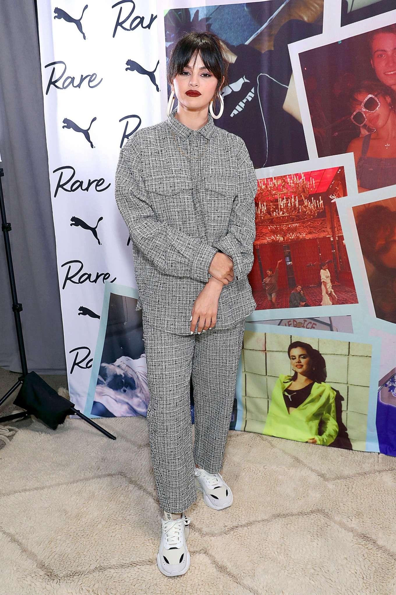 Selena Gomez 2020 : Selena Gomez – Fan Meet and Greet at the Puma flagship store-07