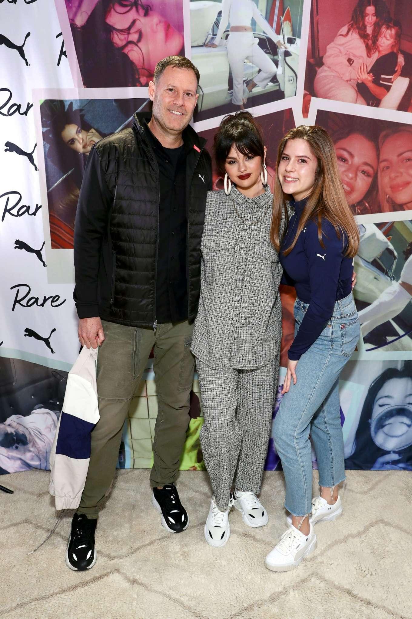 Selena Gomez 2020 : Selena Gomez – Fan Meet and Greet at the Puma flagship store-11