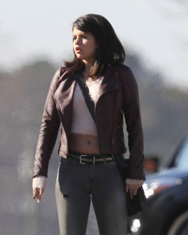 "Selena Gomez - Filming ""The Revised Fundamentals of Caregiving"" Set in Atlanta"