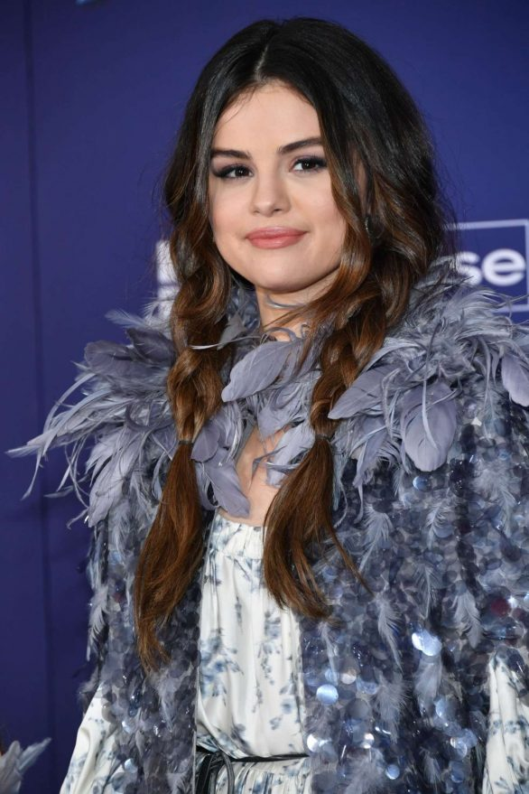 Selena Gomez - 'Frozen 2' Premiere in Los Angeles