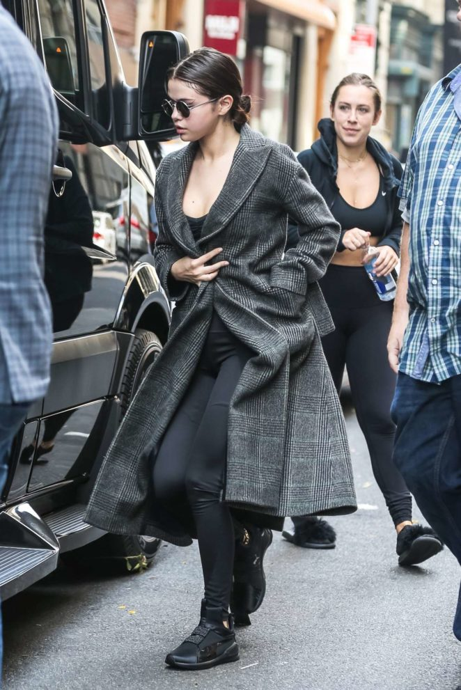 Selena Gomez: Get lunch in NYC-60