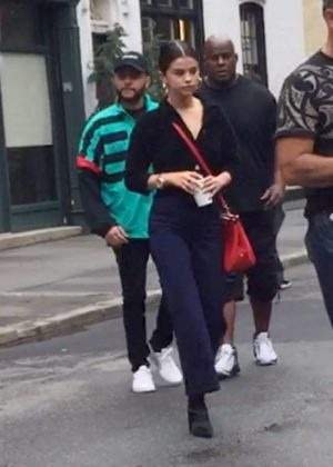 Selena Gomez - Grabbing coffee in West Village