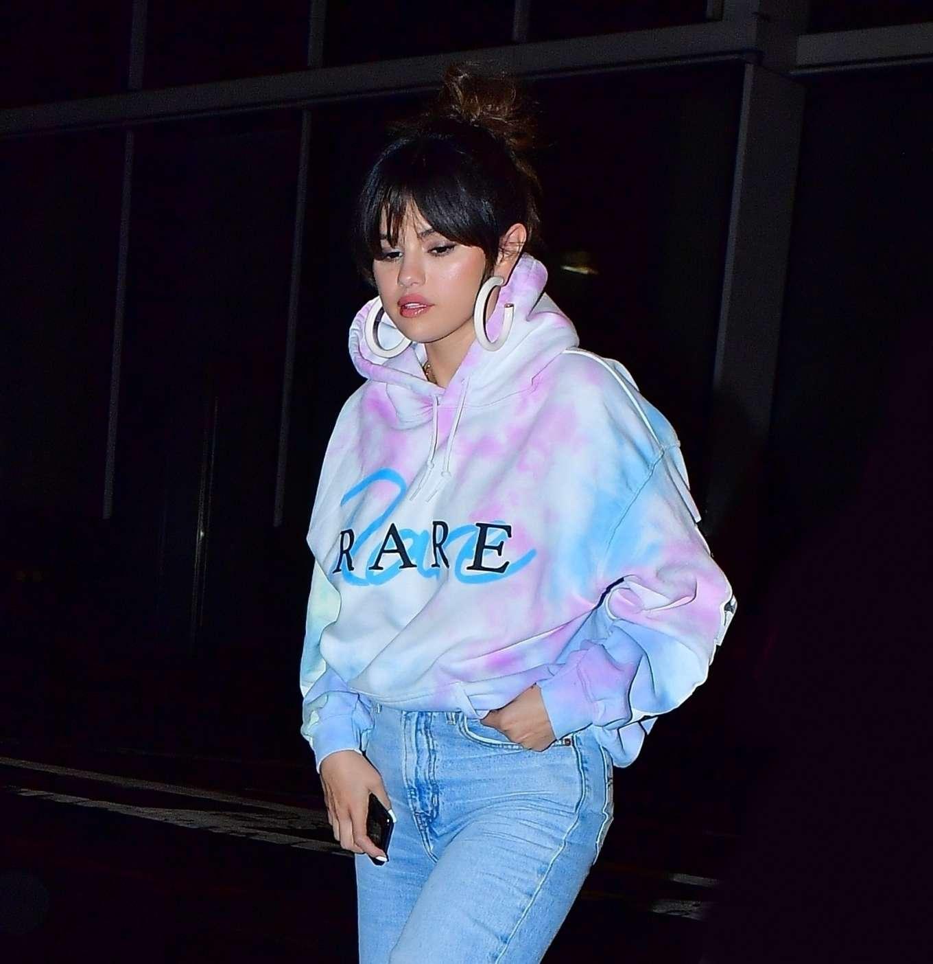 Selena Gomez 2020 : Selena Gomez – Heads to Bang Bang tattoo parlor in New York City-02